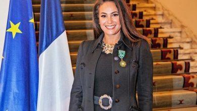 صورة وسام الفنون والاداب الفرنسي بدرجة ضابط للنجمة هند صبري